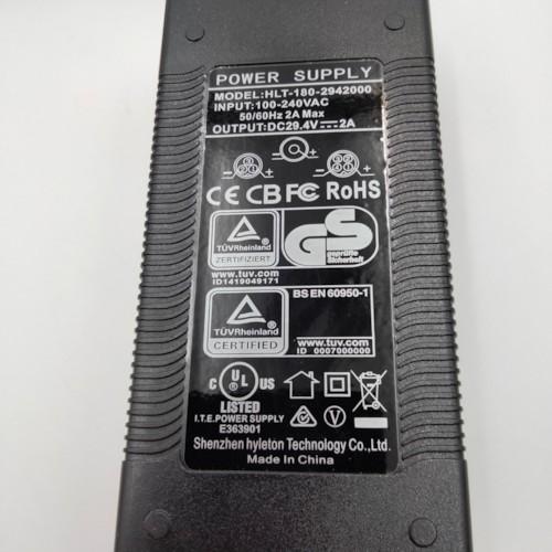 Laddare till lithiumbatteri - 24V 2,0A