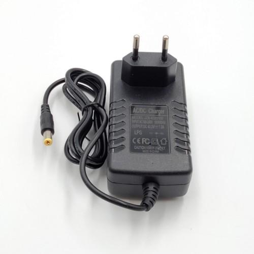 Laddare 36V 1,0A m stavkontakt
