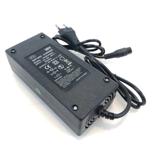 Laddare 36V 2A lithium XLR-honkontakt